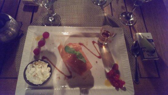 le WYC : superbe dessert baba au rhum