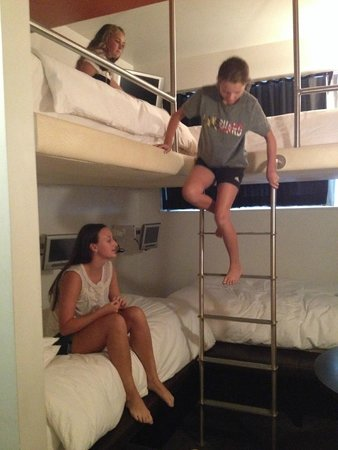 Room Mate Grace: Quad Room