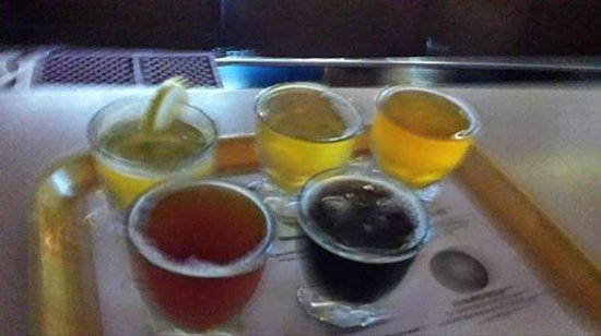 The Dunes Saloon Lake Superior Brewing Company: Samples!
