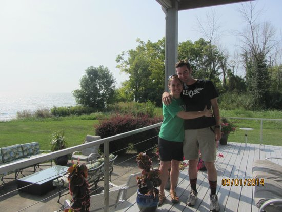 Sun and Surf Bed and Breakfast : Our first married anniversary!