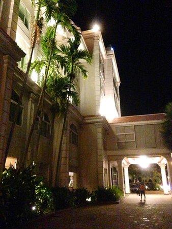 Angkor Riviera Hotel : The front