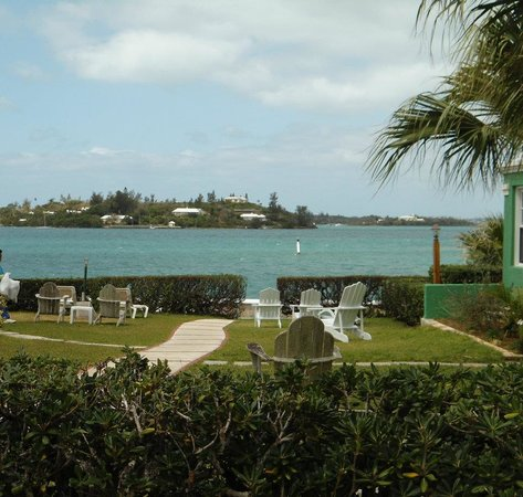 Greenbank Guest House and Cottages: View of the harbor from Greenbank