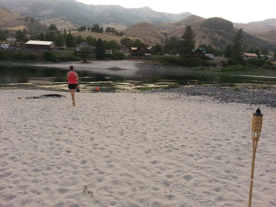 Killgore Adventures Hells Canyon Jet Boat Trips & Fishing Trips: Kilgore Beach at White Bird ID