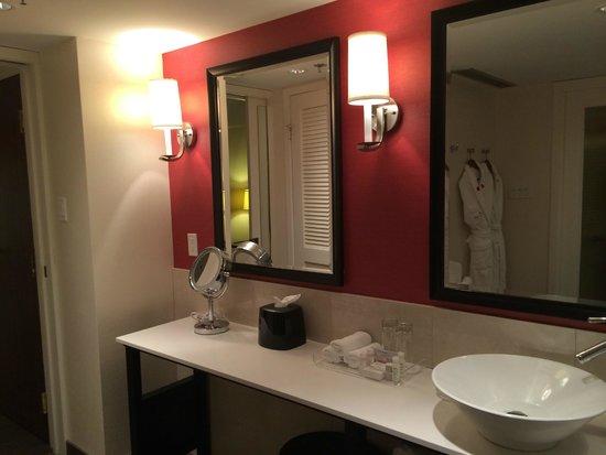 Prince George Hotel : Bathroom
