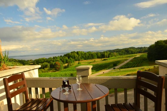 Chateau Chantal Winery and Inn: Terrace
