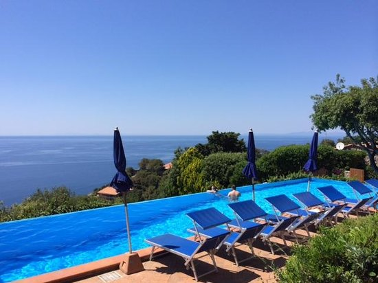 Zona aperitivo foto di hotel torre di cala piccola cala - Piccola piscina ...