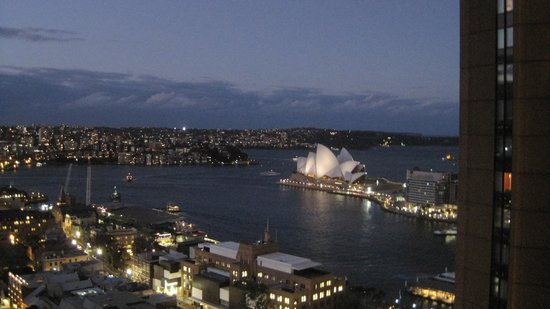 Quay West Suites Sydney : Opera House view