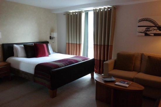 Staybridge Suites Newcastle : Big bed