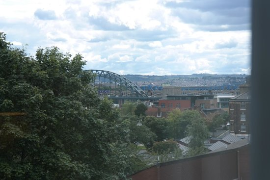 Staybridge Suites Newcastle: View of Tyne Bridge from the room