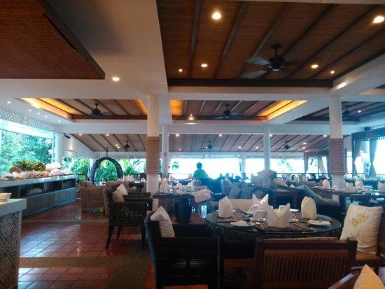 Cape Panwa Hotel: Buffet desayuno