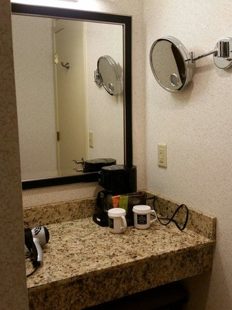 Madison Concourse Hotel and Governor's Club : Make-up counter in bathroom. Governor's Club, Floor 14.