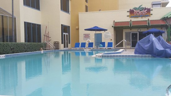 DoubleTree Suites by Hilton Melbourne Beach Oceanfront: Pool Area