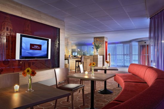 Citadines Barbican London: The lounge is the perfect place to read, surf the internet, rest, have a cup of tea.