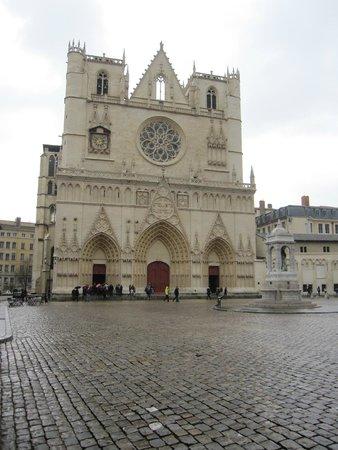 Cathédrale Saint-Jean Baptiste : Fachada