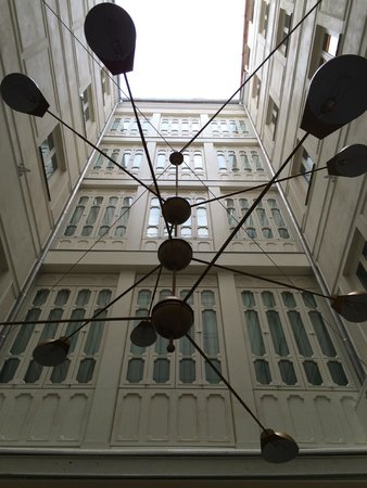 Only YOU Boutique Hotel Madrid: View to the ceiling from the open dining area.