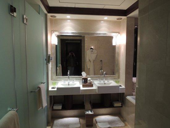 The Ritz-Carlton Abu Dhabi, Grand Canal : So spacious!