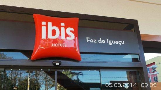 Ibis Foz Do Iguacu: Frente do Hotel.