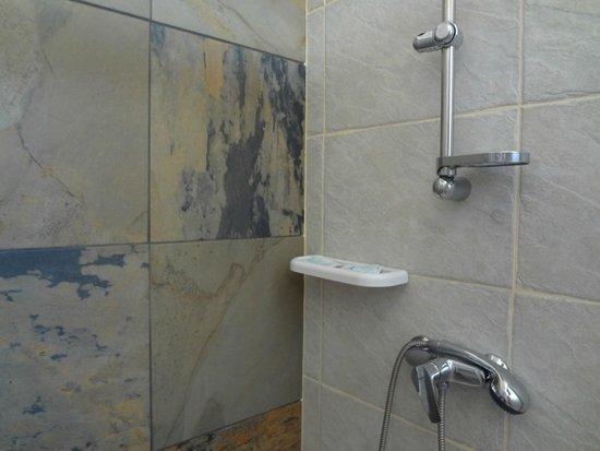 Torre del Cardo: interno della doccia
