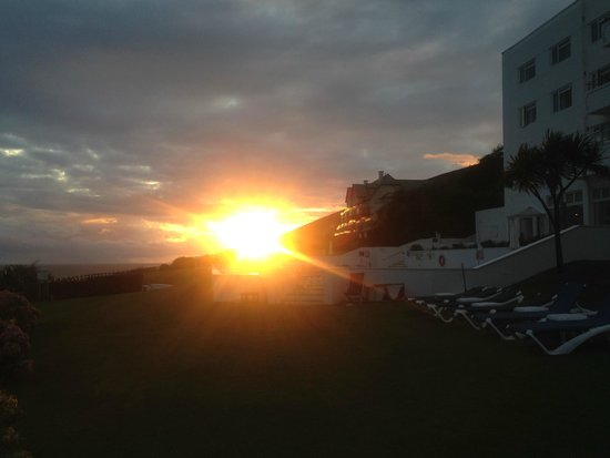 Saunton Sands Hotel: Sunset....