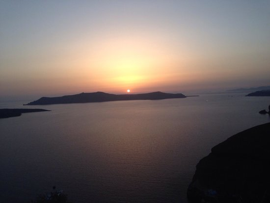 Porto Fira Suites : View of the sunset from the suite terrace