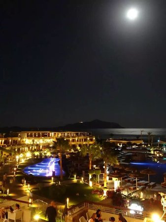 Coral Sea Sensatori - Sharm El Sheikh: Supermoon over Sensatori Sharm and Tiran Island. 