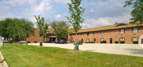 Baymont Inn & Suites Normal Bloomington: Exterior