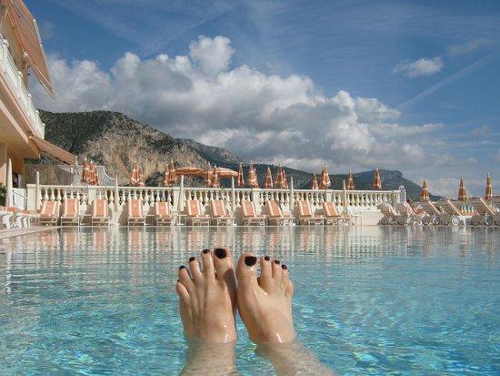 La Réserve de Beaulieu Hôtel & Spa : The Divine Pool!!!