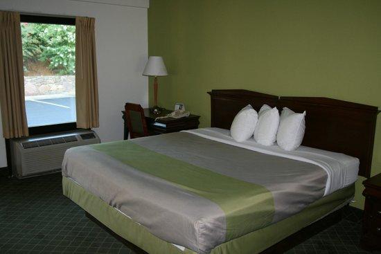 Motel 6 Roanoke: Guest Room
