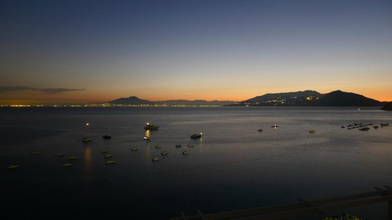 J.K.Place Capri: 3