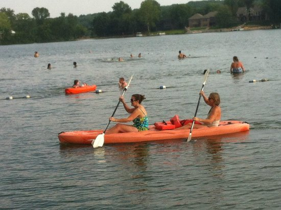 Baymont Inn & Suites Iowa City / Coralville: Paddling in Lake MacBride (14 mi away)
