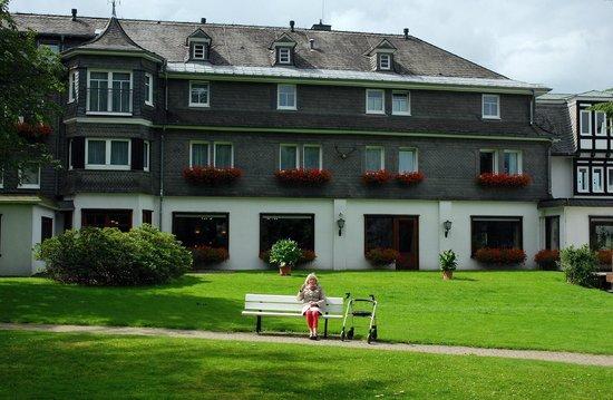 Hotel Jagdhaus Wiese: Hotel en voortuin