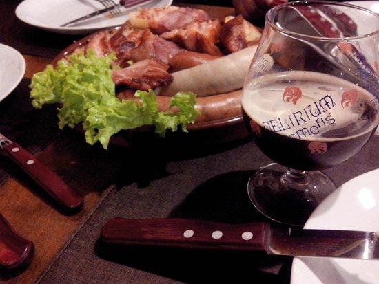 Fraulein Bierhaus: Schlachtplatte e cerveja Delirium Tremens... jantar delicioso!