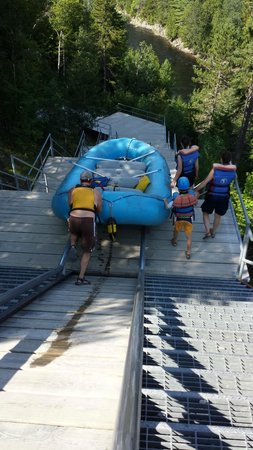 Magic Falls Rafting Company: Pushing the boat down the launch at the dam