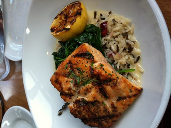 Beach House at Lovers Point: Wonderful salmon!