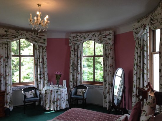 Enterkine Hotel: The Oval Room