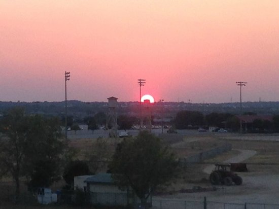 Comfort Inn and Suites : Sunset over the racetrack