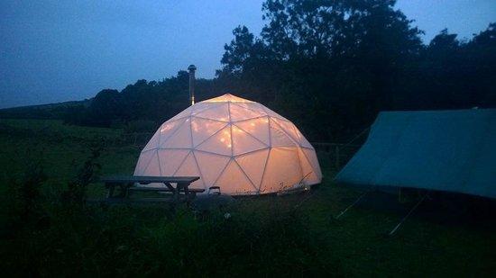 Preseli Venture Eco Lodge: Dome at night