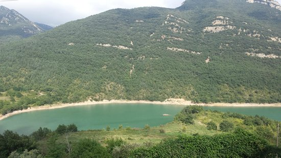 Hotel Les Truites : Lake in the high Pyrenees