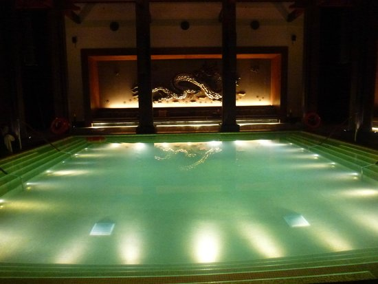 St. Regis Lhasa Resort: relaxing pool