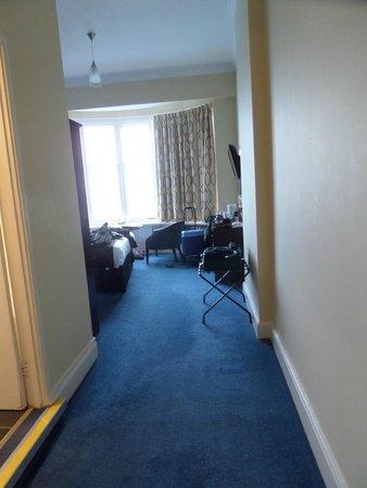 Marsham Court Hotel: entrance to room
