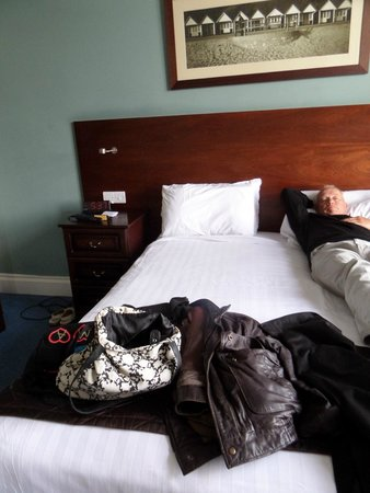 Marsham Court Hotel: bedroom