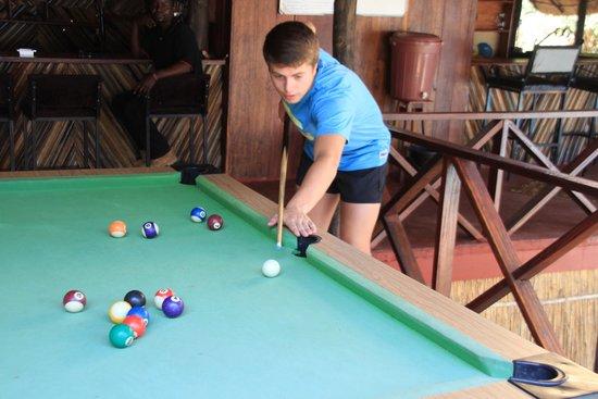 Zikomo Safari Camp: pool table at the bar