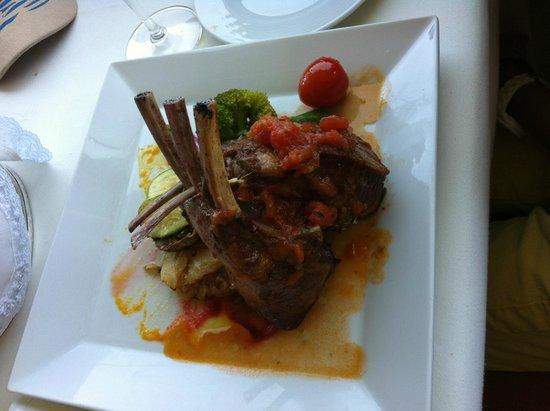 Migomis Piano Restaurant: carre d'agneau