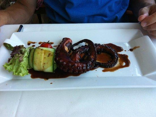 Migomis Piano Restaurant: poulpe grillé