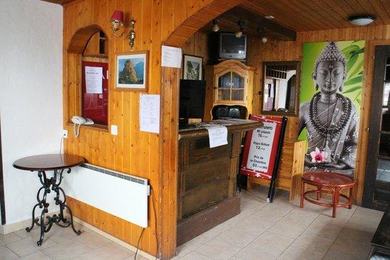Hotel de la Poste: Front desk