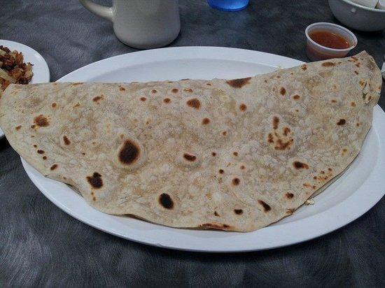 Grapevine Cafe & Coffeehouse: Huge breakfast taco, loaded