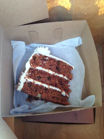 Desserts etc: Carrot cake in a to go box