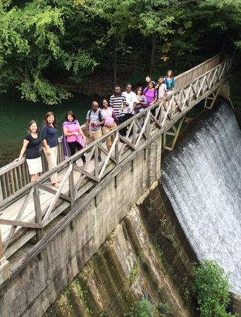 2014-2015 Humphrey Fellows at Vanderbilt Retreat at Evins Mill