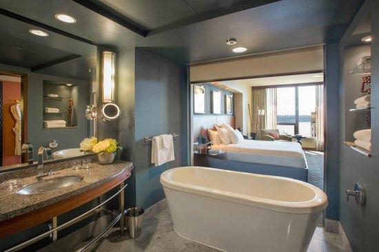 Hotel 1000 : Deluxe Waterview