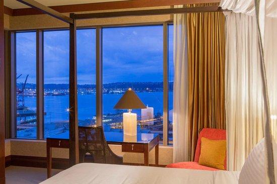 Hotel 1000: Puget Sound View